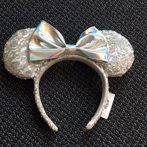 Disney Parks Magic Mirror Metallic Minnie Ears